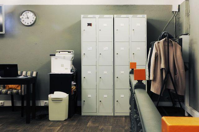 Ресепшн и шкафчики для личных вещей