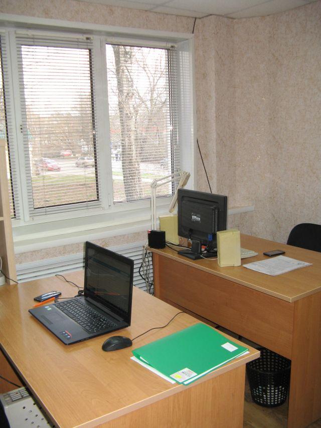 Офис у дома Ольшанского 43