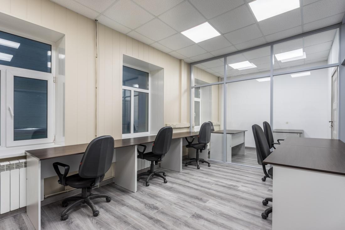 Офис на 5 чел.Стекло